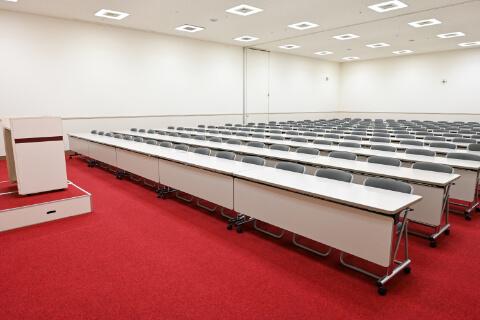 第1・第2会議室 スクール型 (180人収容)