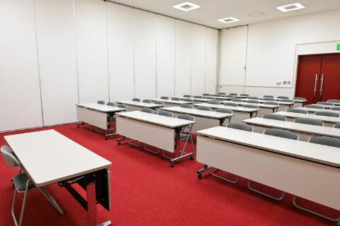 第1・第2会議室 スクール型 (54人収容)