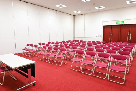 第1・第2会議室 シアター 型(77人収容)