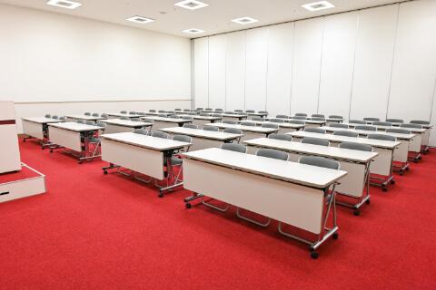 第1・第2会議室 スクール型 (75人収容)